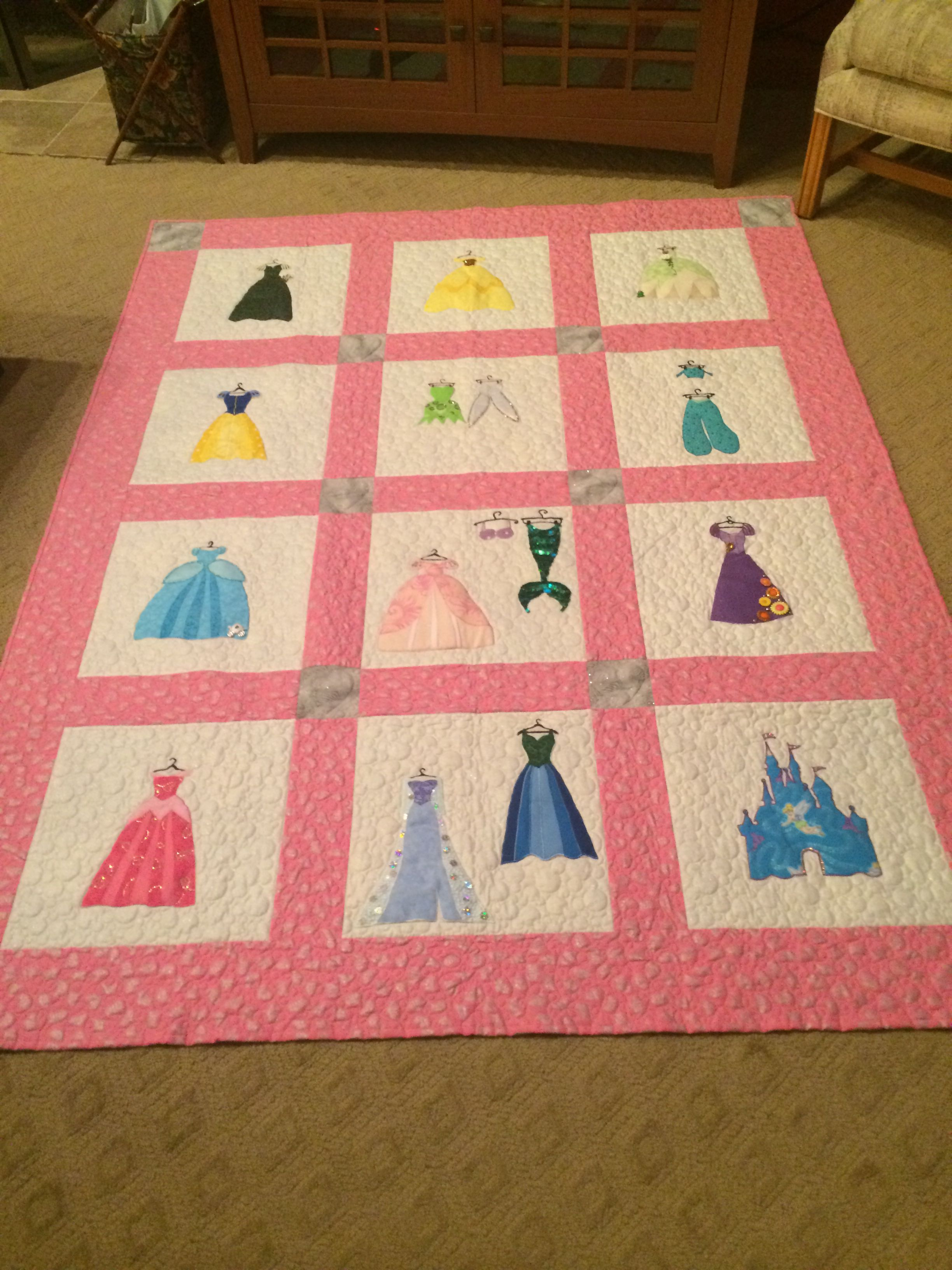 Disney princess quilt. Hand made! | For Mom and Her Friends | Pinterest