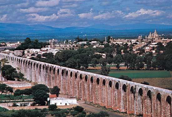 Aqueduct Ciudad De Queretaro Queretaro Viajar Por El Mundo