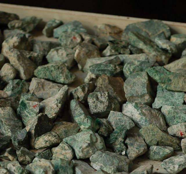 What Does Raw Jade Look Like Google Search Rocks And Gems