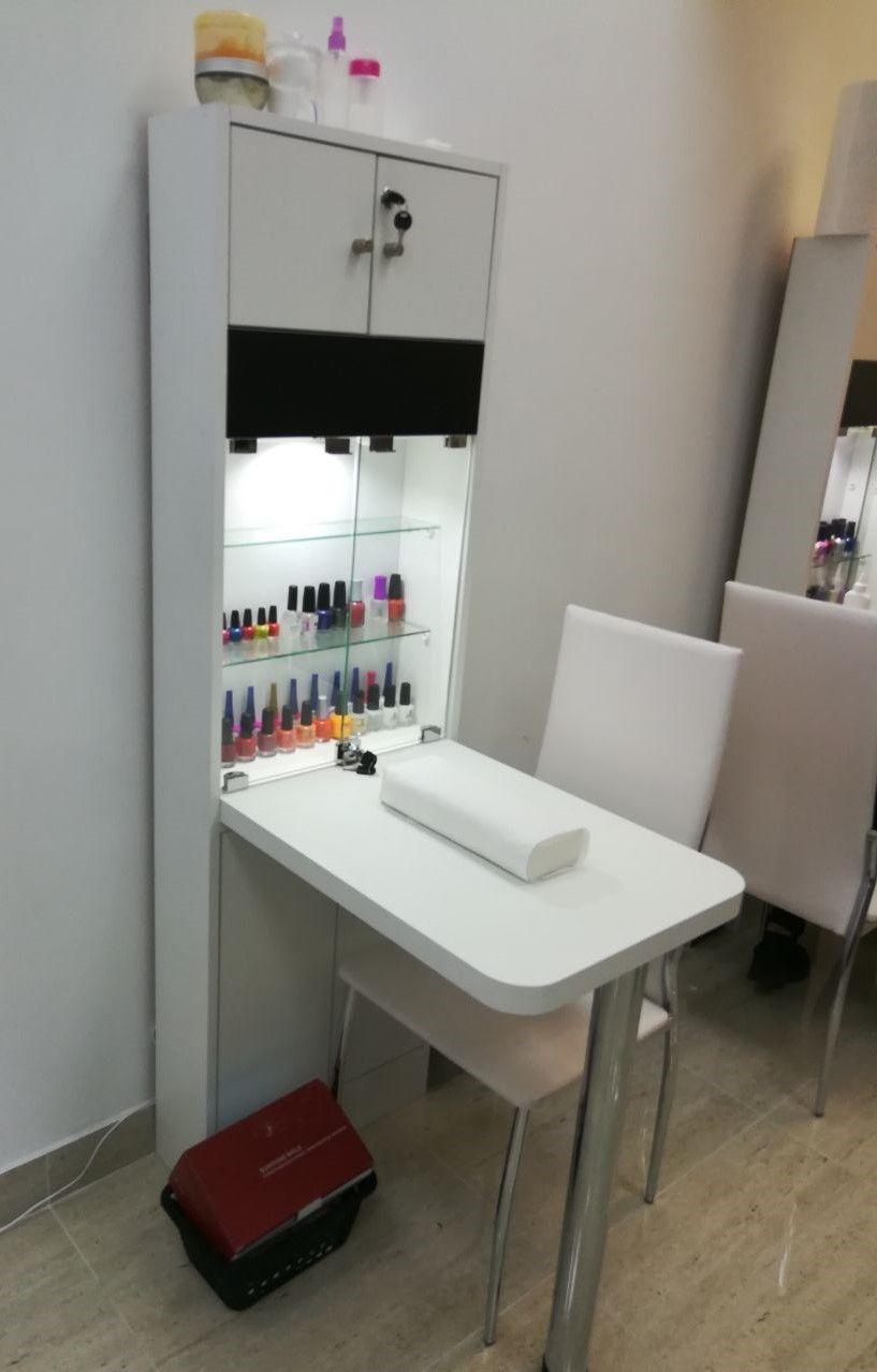 Muebles salon de belleza precios chile mr muebles for Precios de muebles para oficina