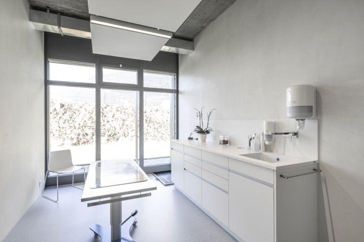 Veterinary Clinic Masans By Domenig Architekten Chur Switzerland Retail Design Blog A