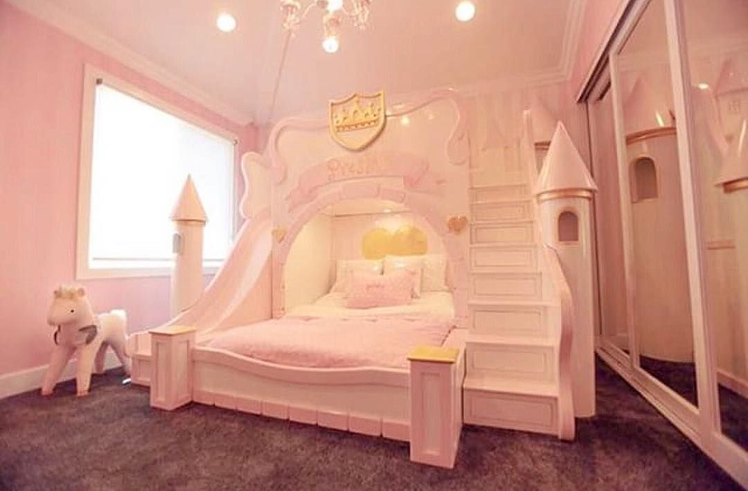 Fit for a princess, this castle bed is pretty amazing ...