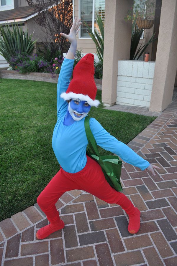 Tween halloween costume ideas crafty 2 the corediy galore lots of inspiration diy makeup tutorials and all accessories you need to create your own diy papa smurf costume for halloween solutioingenieria Images