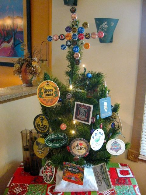 Decorate Beer Bottles For Christmas Inspiration Beer Bottle Christmas Tree  Feeling Crafty  Pinterest  Beer Decorating Inspiration