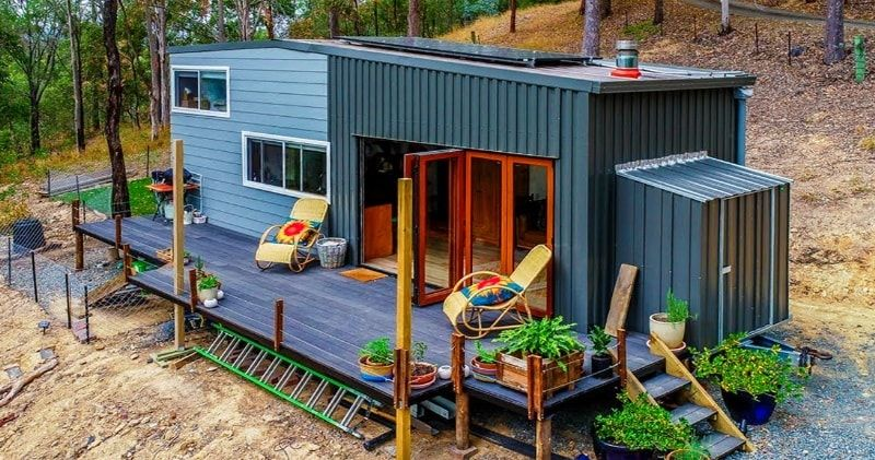 Spacious Diy Off The Grid Tiny House On Wheels With