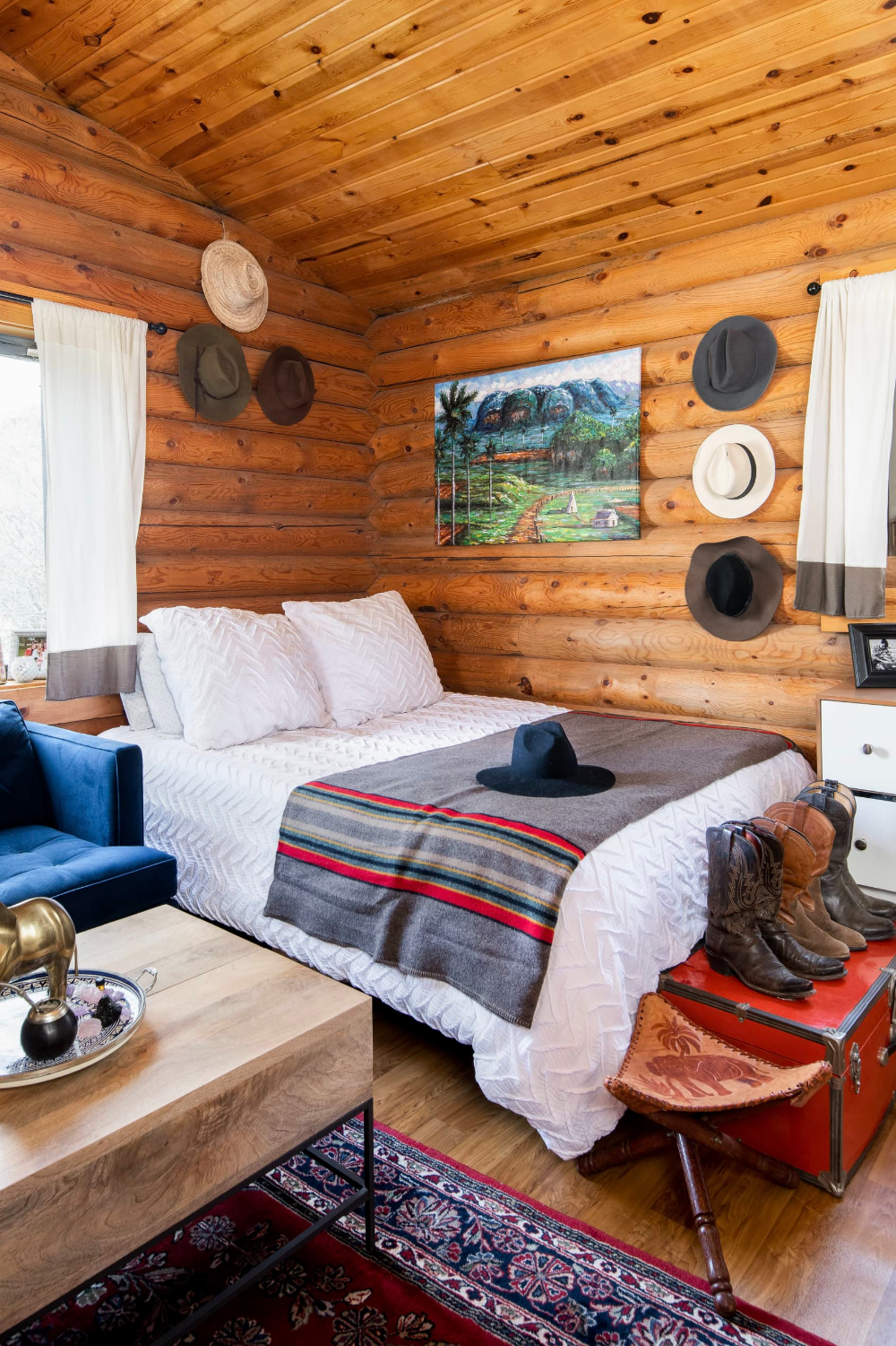 Photo of If You've Ever Dreamed of Log Cabin Living, This 196-Square-Foot Home Will Make You Swoon