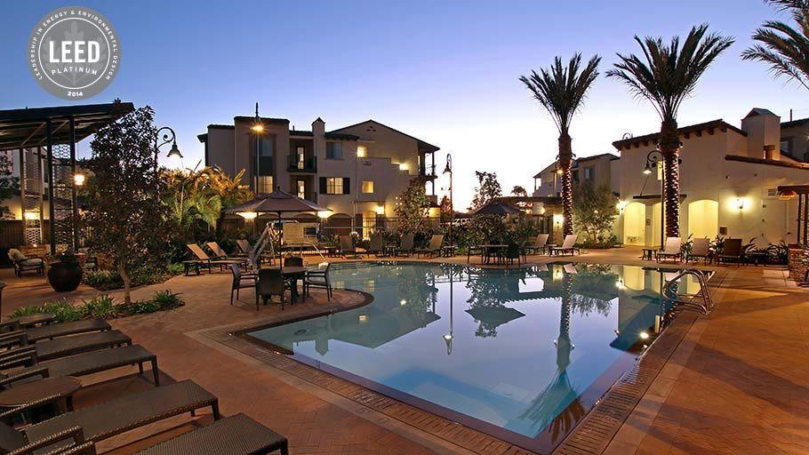 The Hills Apartment La Brea Google Zoeken Zoeken