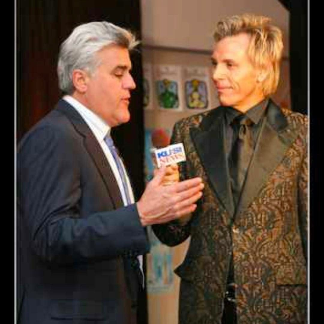 "Leonard Simpson on Instagram: ""@leonardsimpsontv @jaylenosgarage @fashionforward.usa @eentertainment @todayshow @bravotv Interviews with all the most amazing celebrity's…"""