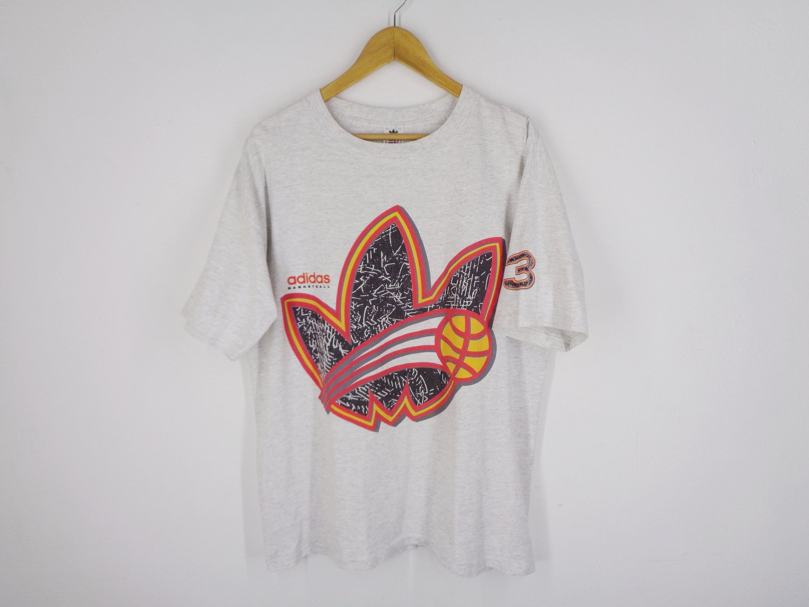 Escribe email Recogiendo hojas Identidad  Adidas Shirt Vintage Adidas T Shirt Vintage 90's Adidas Basketball Trefoil  Big Logo Made in USA Tee T Shirt Size L | Vintage adidas, Adidas shirt,  Shirts