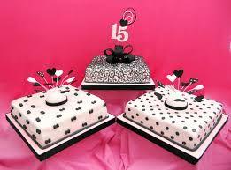 Resultado de imagen para torta de 15 años modernas blanco y negro
