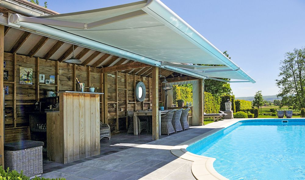 Three different Types of Awnings for Your Patio ...