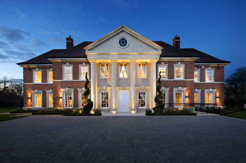 Cavendish House A 21 000 Square Foot Newly Built Brick Stone Mansion In London England Luxury Houses Mansions Luxury Homes Exterior Stone Mansion