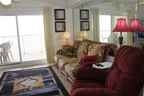 TradeWinds 903 Orange Beach (Alabama) TradeWinds 903 offers accommodation in Romar Beach, 9 km from Gulf Shores and 46 km from Pensacola Beach. The property is 44 km from Pensacola and private parking is offered.