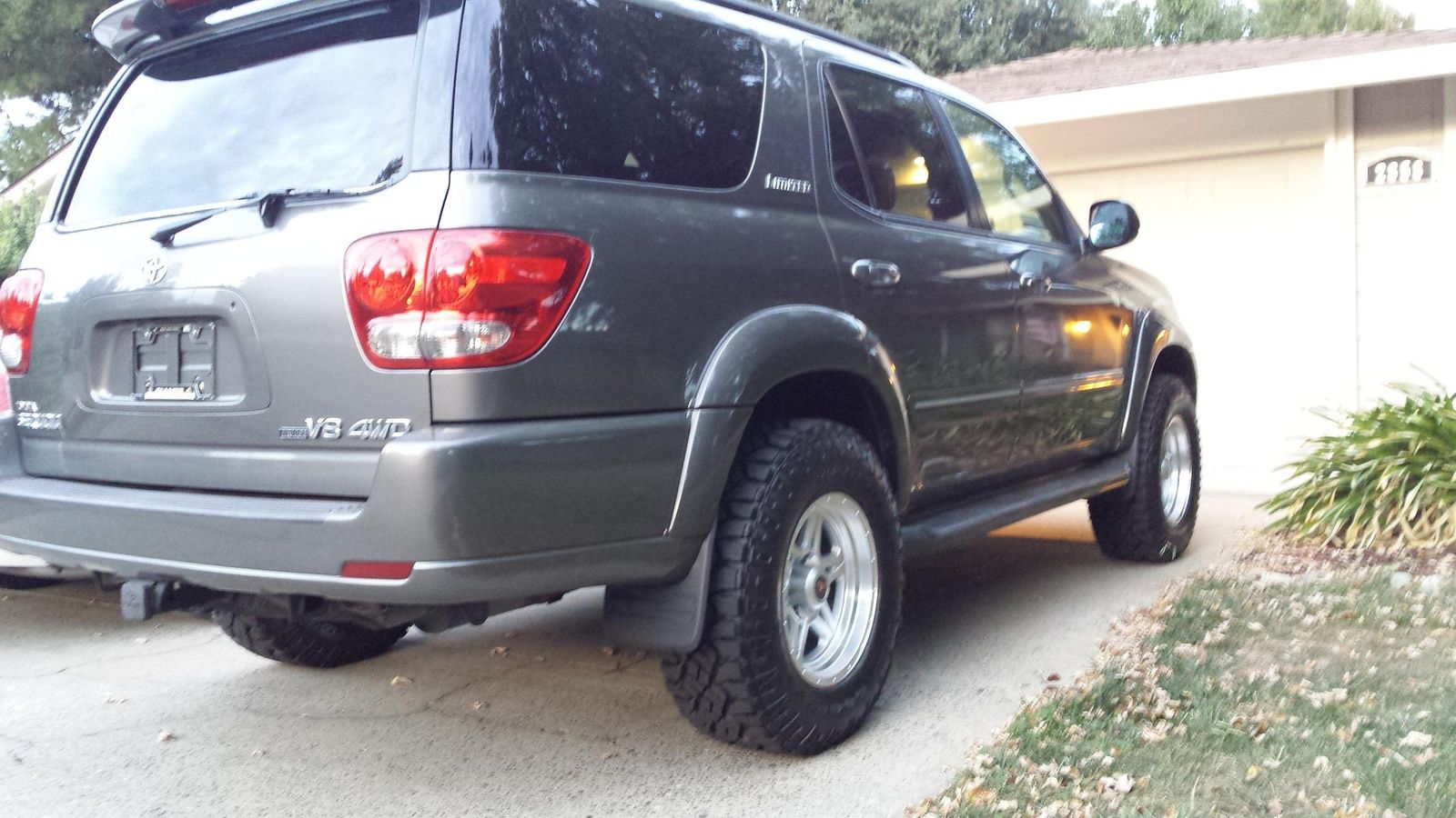 Lets see Lifted Sequoia Pics Page 5 Toyota Tundra
