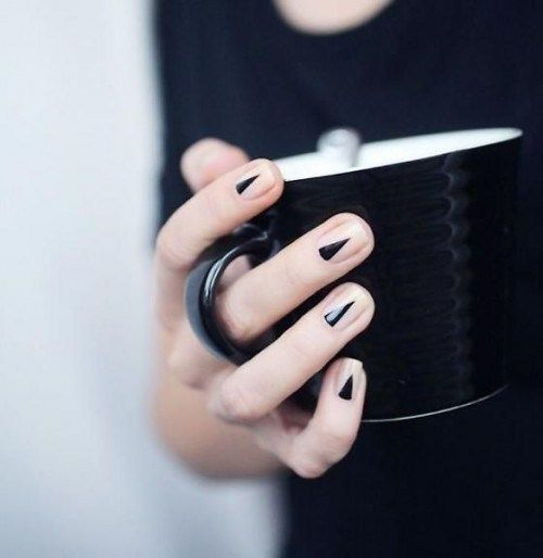 Edgy Nail Art for Short Nails - 20 Amazing Short Nail Designs You Must Love Edgy Nail Art, Edgy