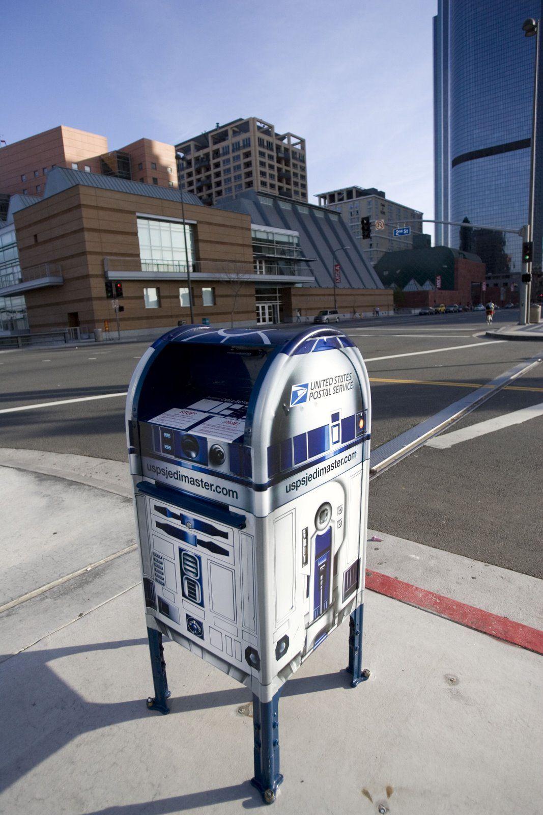 R2d2 mailbox urban pinterest for Correo postal mas cercano