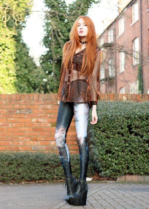 Love the Galaxy leggings, platforms and auburn hair...stunning