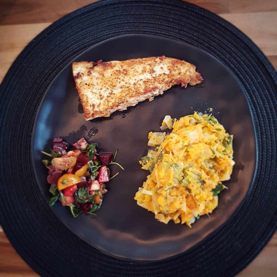 Preipuree met zoete aardappel victoriabaars en leftover salads  #foodporn #homecooked