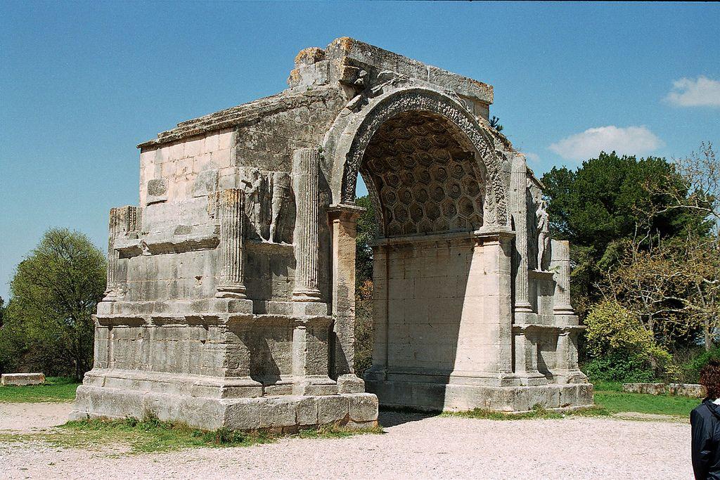 Glanum Saint-Remy de Provence | Remains of the Arch of Triumph of the roman city of Glanum
