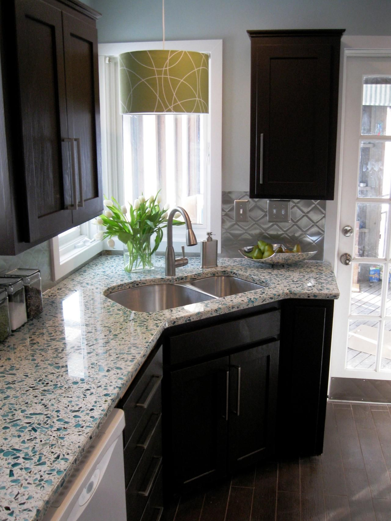 Budget Friendly Before And After Kitchen Makeovers Home Improvement Diy Network I Like