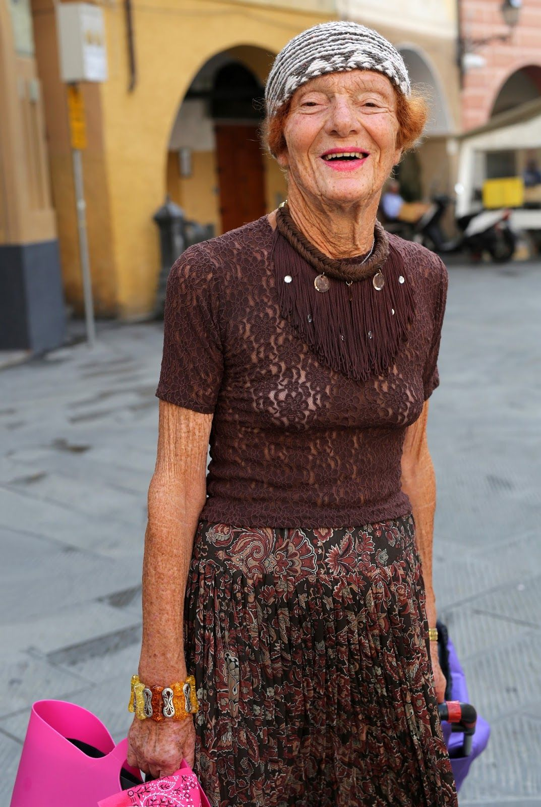 Самая обросшая в старушки — img 8