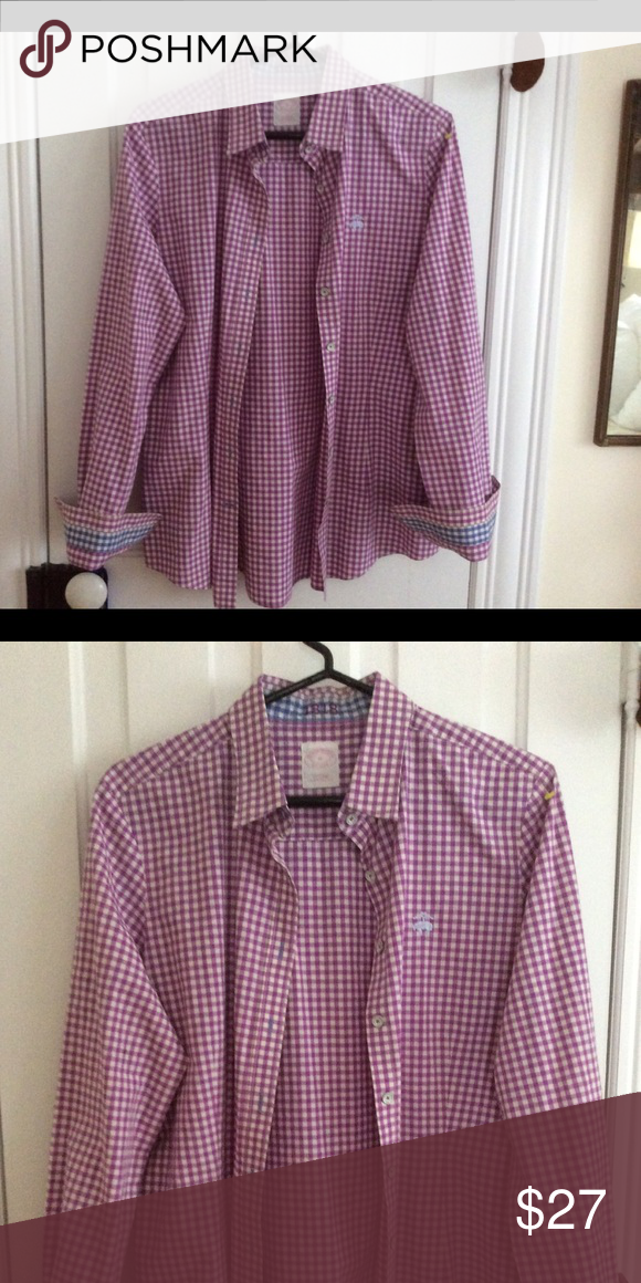 081a30f8d3 WOMEN's BROOKS BROTHERS classic. Contrasting cuffs Pretty plum and off-white  gingham with contrasting blue cuff. Fitted, not boxy Brooks Brothers Tops  ...