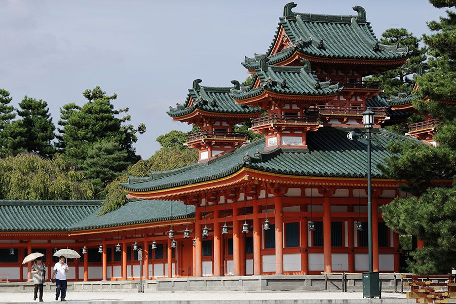 The temple of Shinto in Kyoto, Japan. http://www.photos-du-japon.fr/