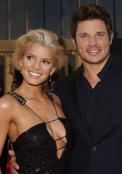 Jessica Simpson and Nick Lachey - 32nd Annual American Music Awards - Arrivals #jessicasimpsonhair