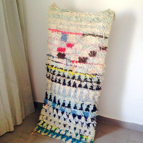 Boucherouite moroccan rug. VINTAGE & FAIR TRADE. by HemmaTreasures