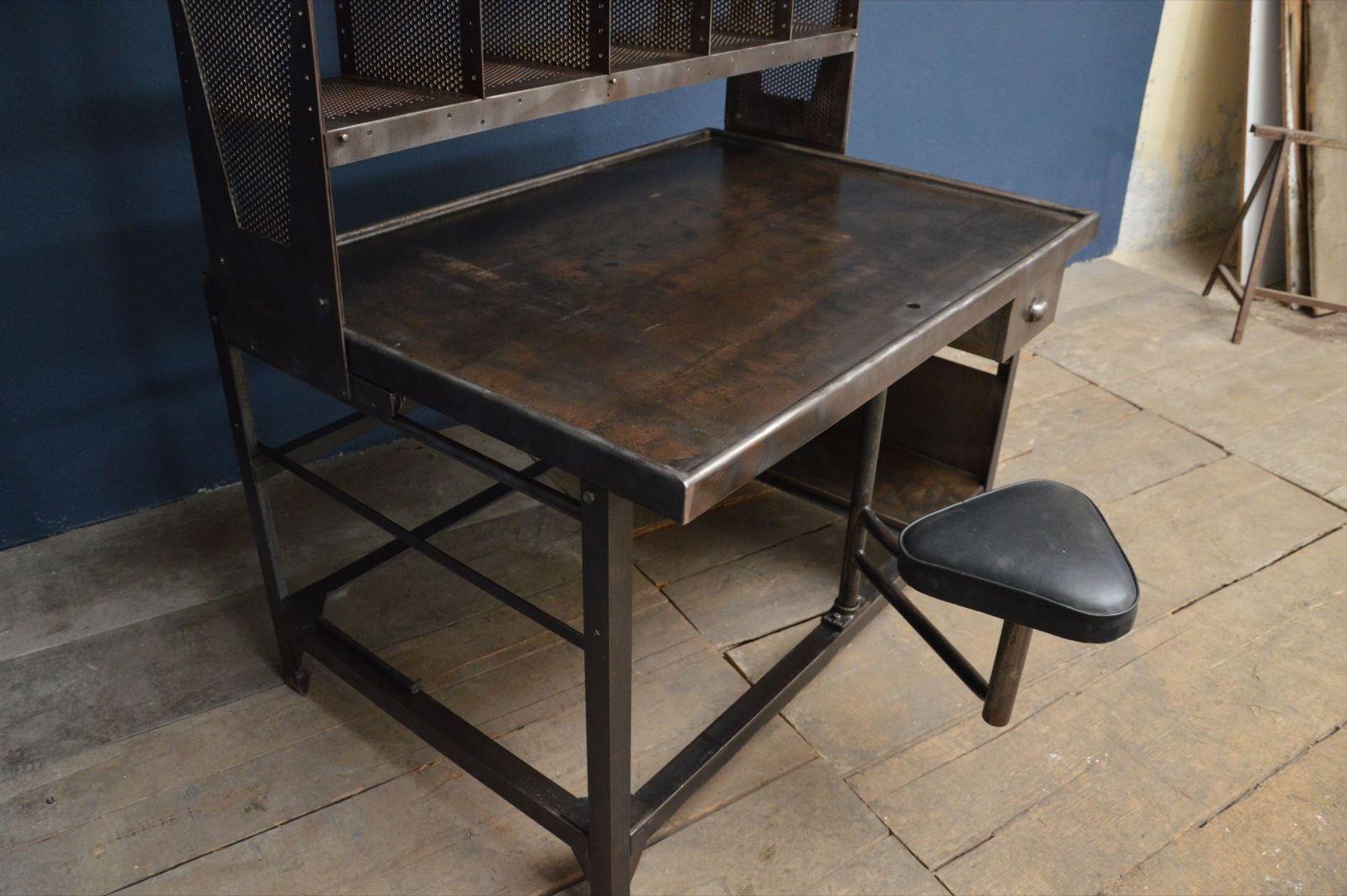 ancien meuble de tri postal mobilier industriel art. Black Bedroom Furniture Sets. Home Design Ideas