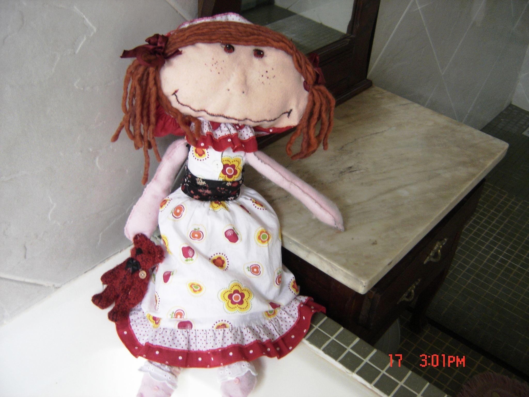 A primeira boneca de pano que fiz...o nome dela é Anita