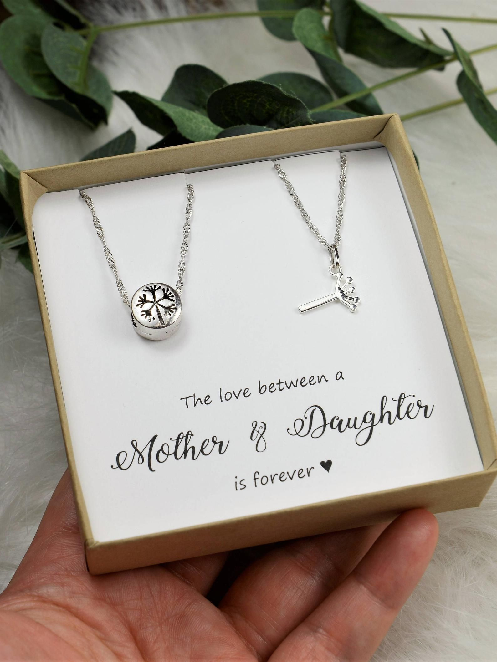 Gift For Her A Mother/'s Love My Mom/'s My Best Friend. My Mother My Friend Mother/'s Necklace Mother/'s Day Jewelry Gift For Mom
