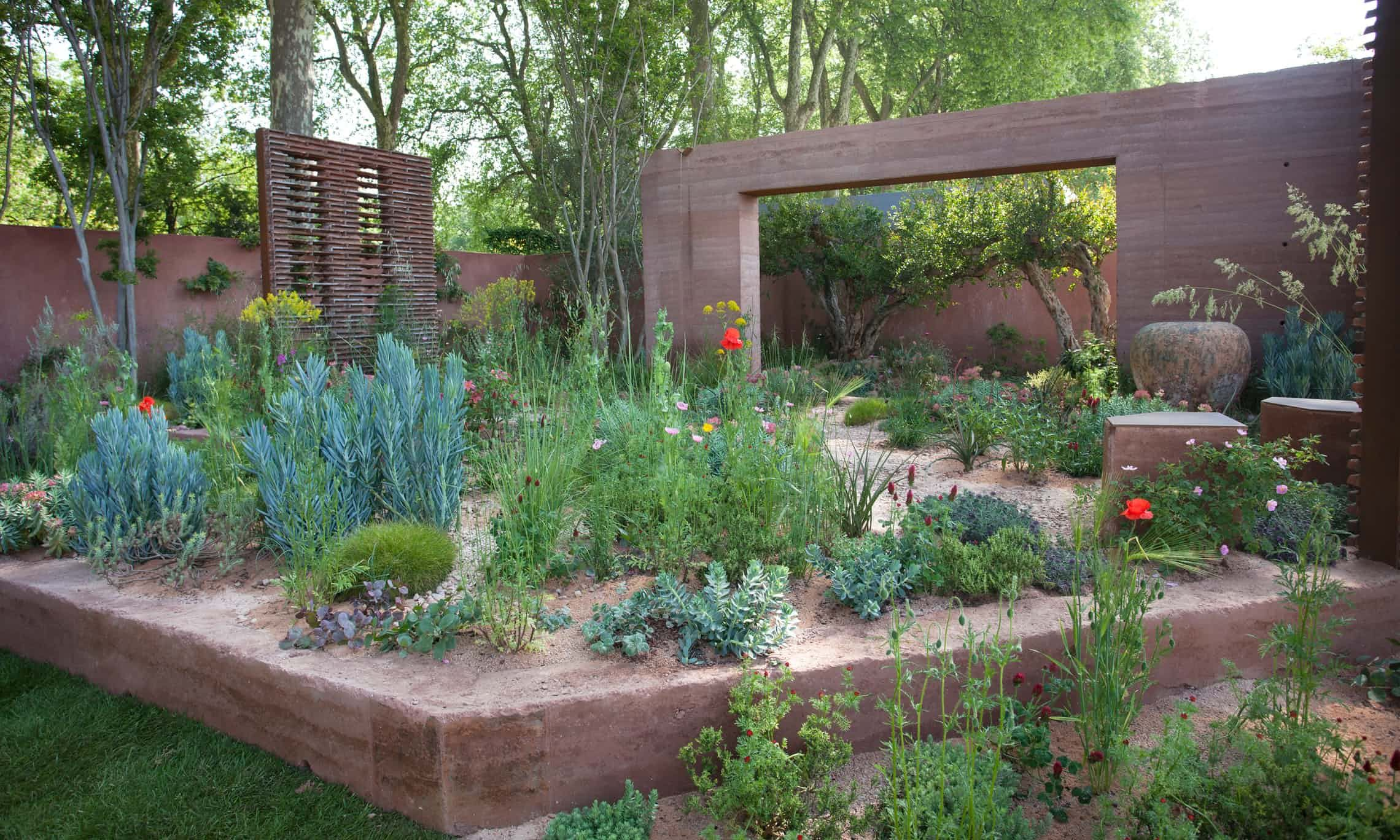 Contemporary Garden Borders