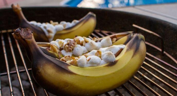 Banana Boats- Grilled bananas (on a #madeinUSA weber ...