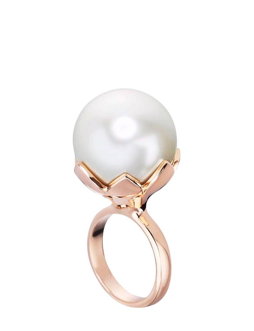 5d385f9598e5 Christian Dior ring.