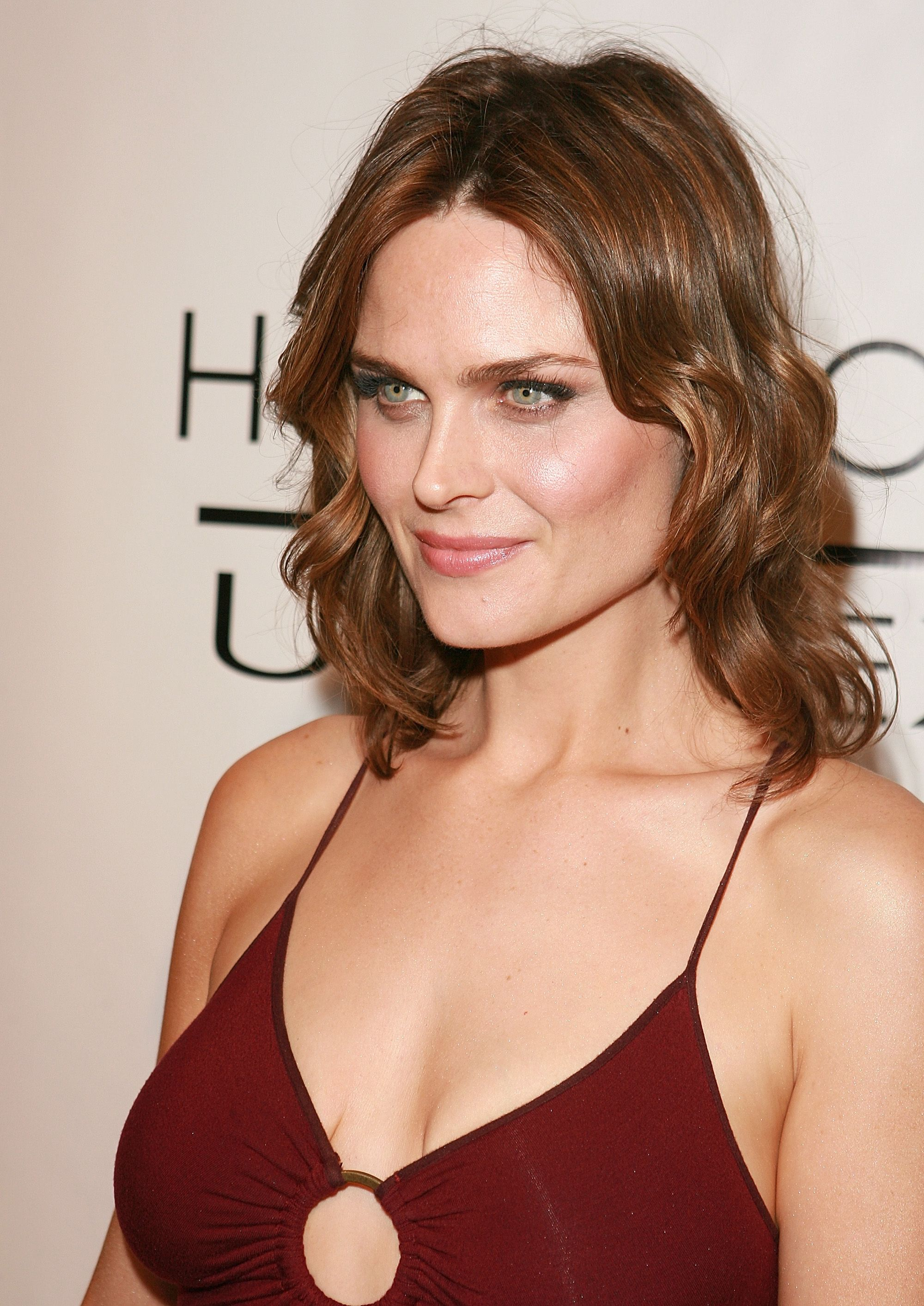 Pin by Caitlin Taylor on Celebrities (American) | Emily deschanel, Girl celebrities, Hollywood event