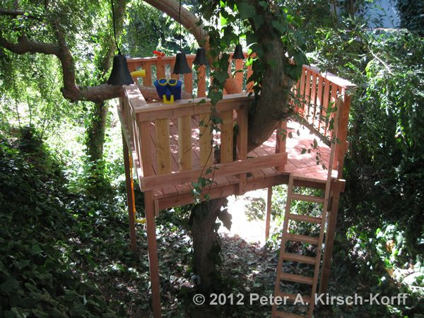 Free Standing Tree House Plans the treehouse ~ mom and her drill very simple, easy-to-build tree