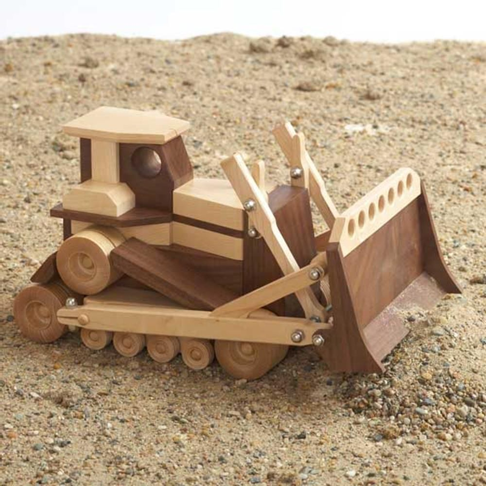 construction-grade bulldozer woodworking plan from wood