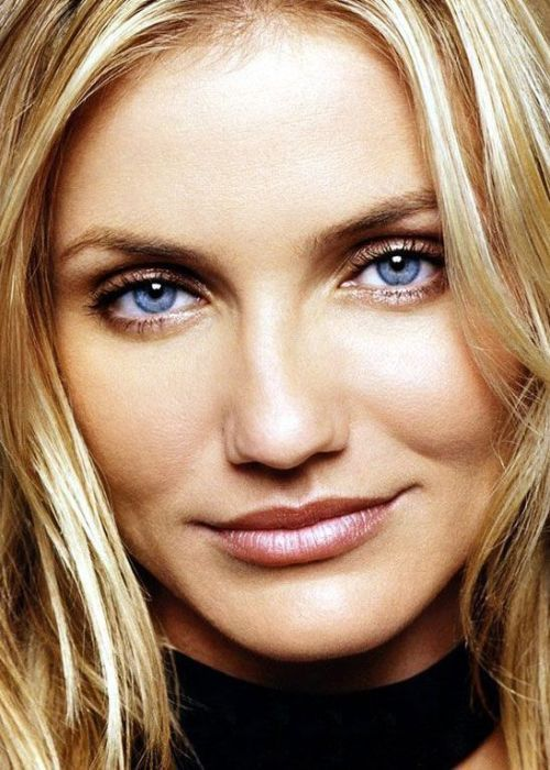 This Blond Haired Blue Eyed Beauty Is A Canadian Actress On The Rise For Her Acting In Various Films She Recently Starred Alongside Luke Evans Dracula