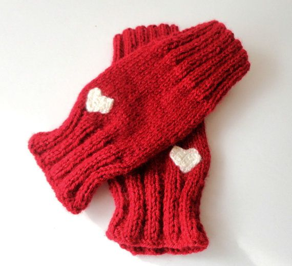 Valentines Day Gift ,red knitted fingerless gloves ,heart gloves ,gift ideas ,mittens , knitting gloves #valentinesdaygift #handmade