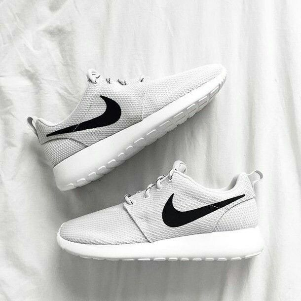 Pin By Julia Lechtanska On Women S Shoes Nike Shoes Women Nike Free Shoes Casual Sport Shoes