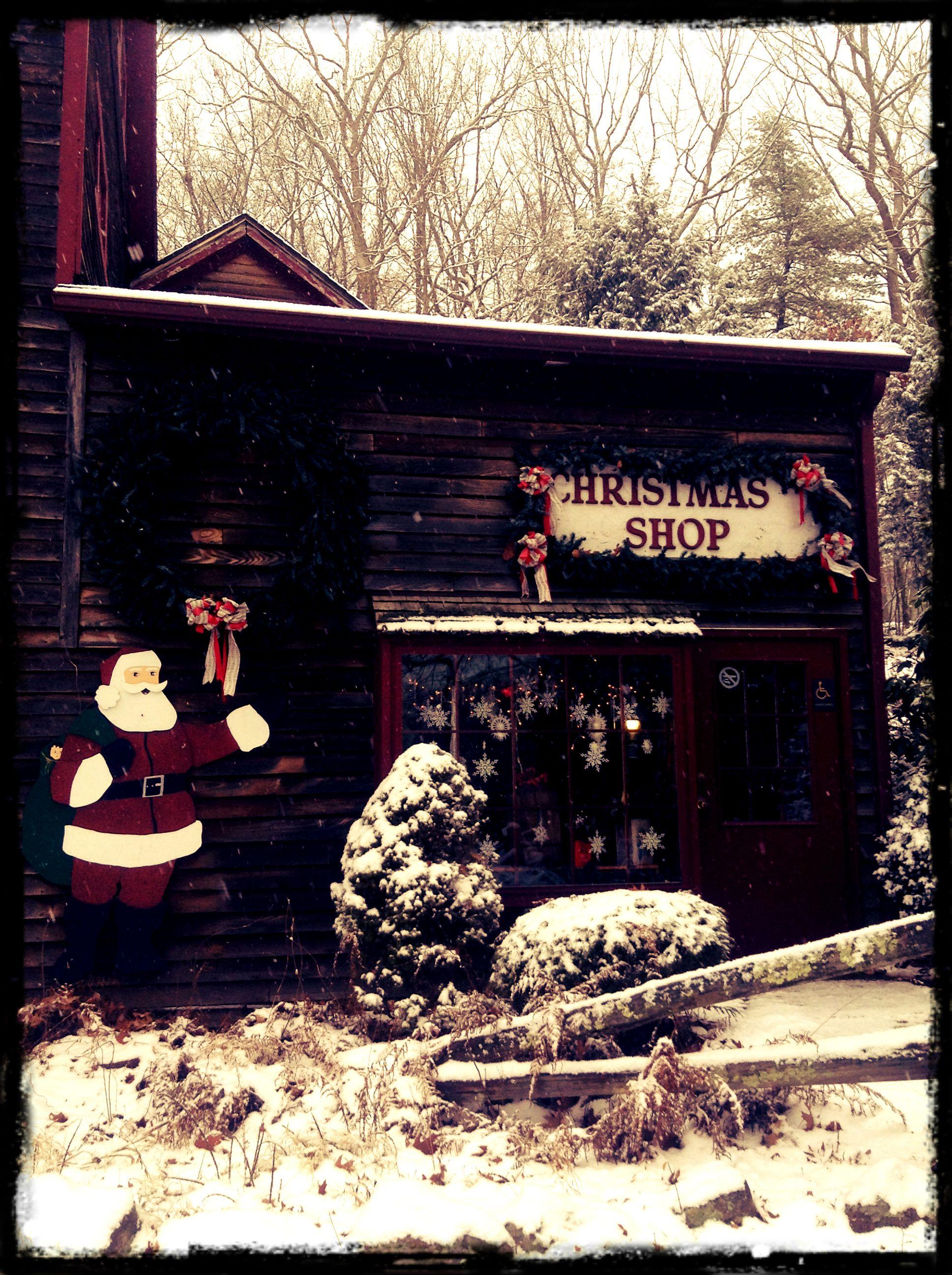 Oakwood Farm Christmas Barn Spencer, Massachusetts. | Oakwood Farm ...