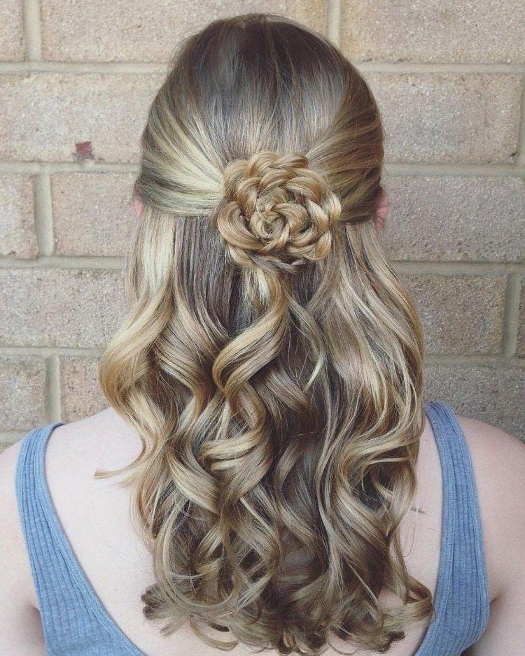 Festliche Frisuren Schnell Haare Locken Blume Flechten Hairstyles Flechtfrisuren Geflochtene Frisuren Frisur Ideen