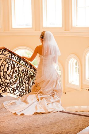 Great staircase shot! // Photo by: http://beautifuldayphotography.com