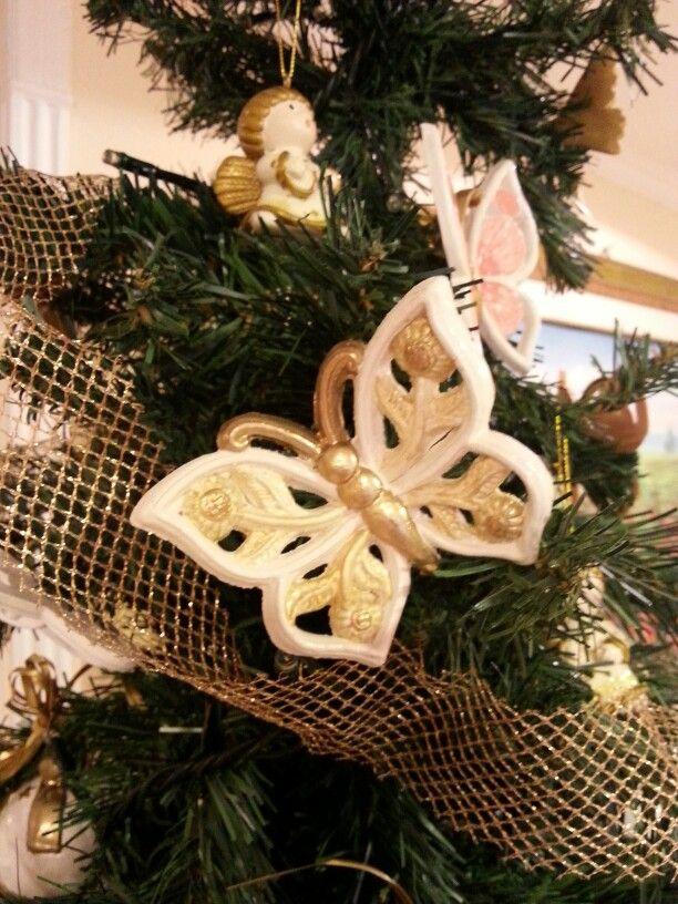 Addobbi natalizi al 50% farfalle traforate in ceramica
