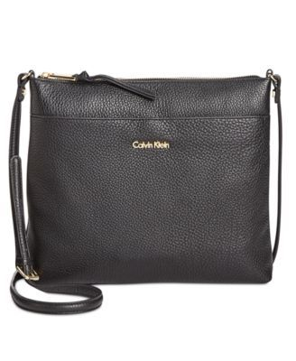Calvin Klein Lily Pebble Leather Crossbody 168 00 Modern And Minimal Calvin Klein S Clean Lined Crossbody Showcases A Compact Silhouette In Rich Pebble L Con Imagenes Bolsos