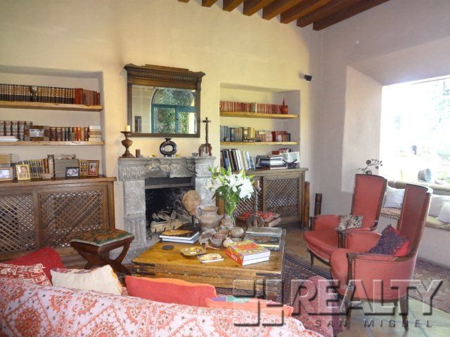 Houses for Sale - Charming home in Centro with Outstanding Views - ID: 1814 | San Miguel de Allende Real Estate
