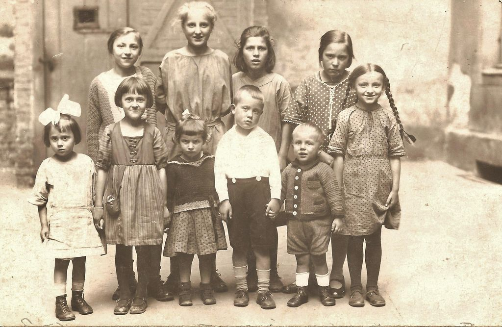 Children Berlin 1920s Black And White Photography Creepy Kids