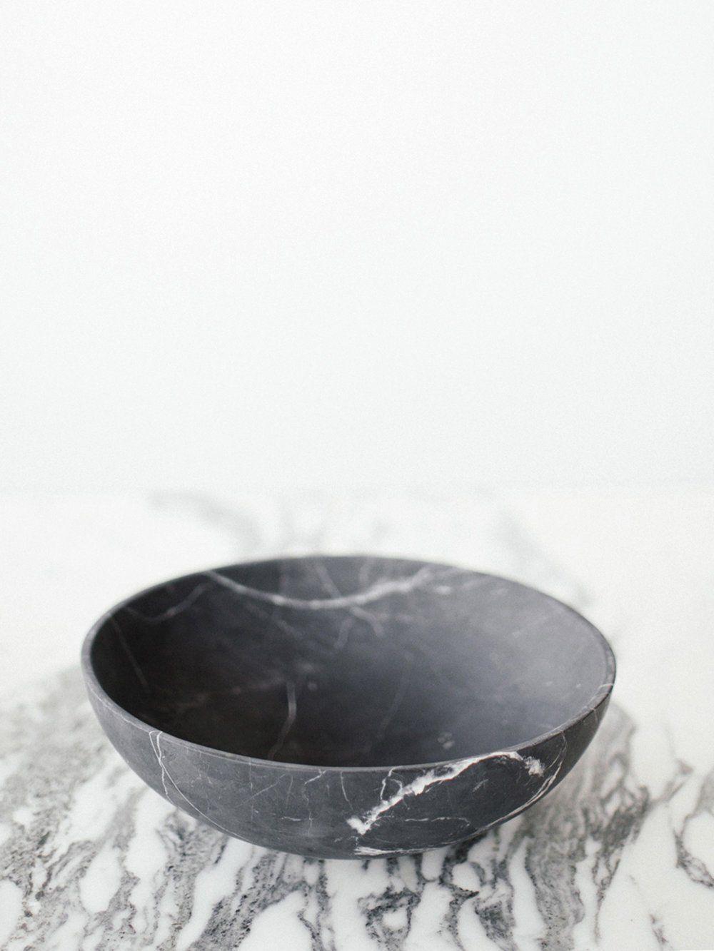 Cdmx Casa Mineral Ming Grande Bowl In Black Marble In 2020 Black Marble Marble Bowl Centerpiece Bowl