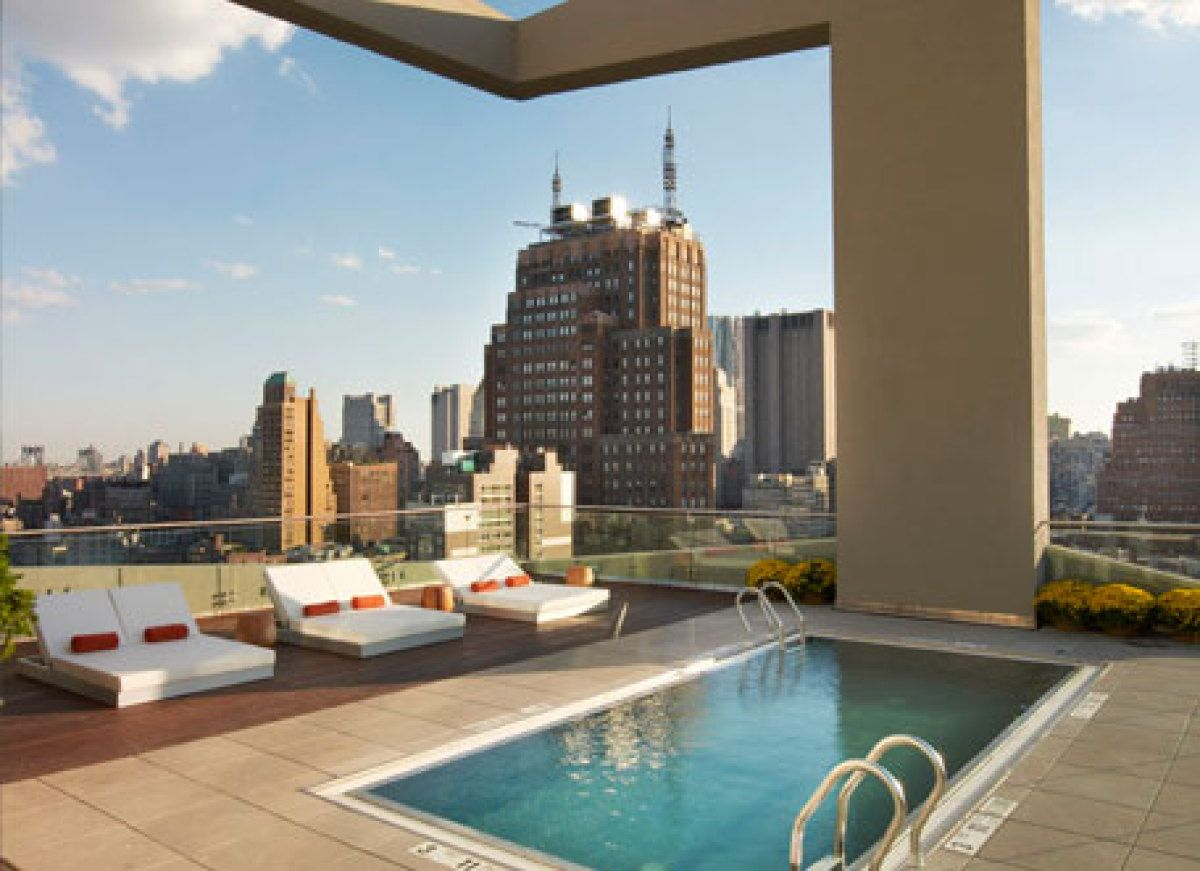 The best rooftop bars in new york manhattan skyline - Hotel new york swimming pool roof ...